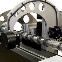 Optical measurement of the characteristics of a camshaft