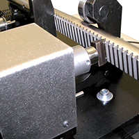 Measurement of rack rail teeth inclination specific design Trimos